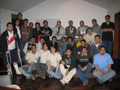 20071124013542-fotogrupal.jpg